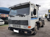 Volvo FL10 4x2 c/ Grua...