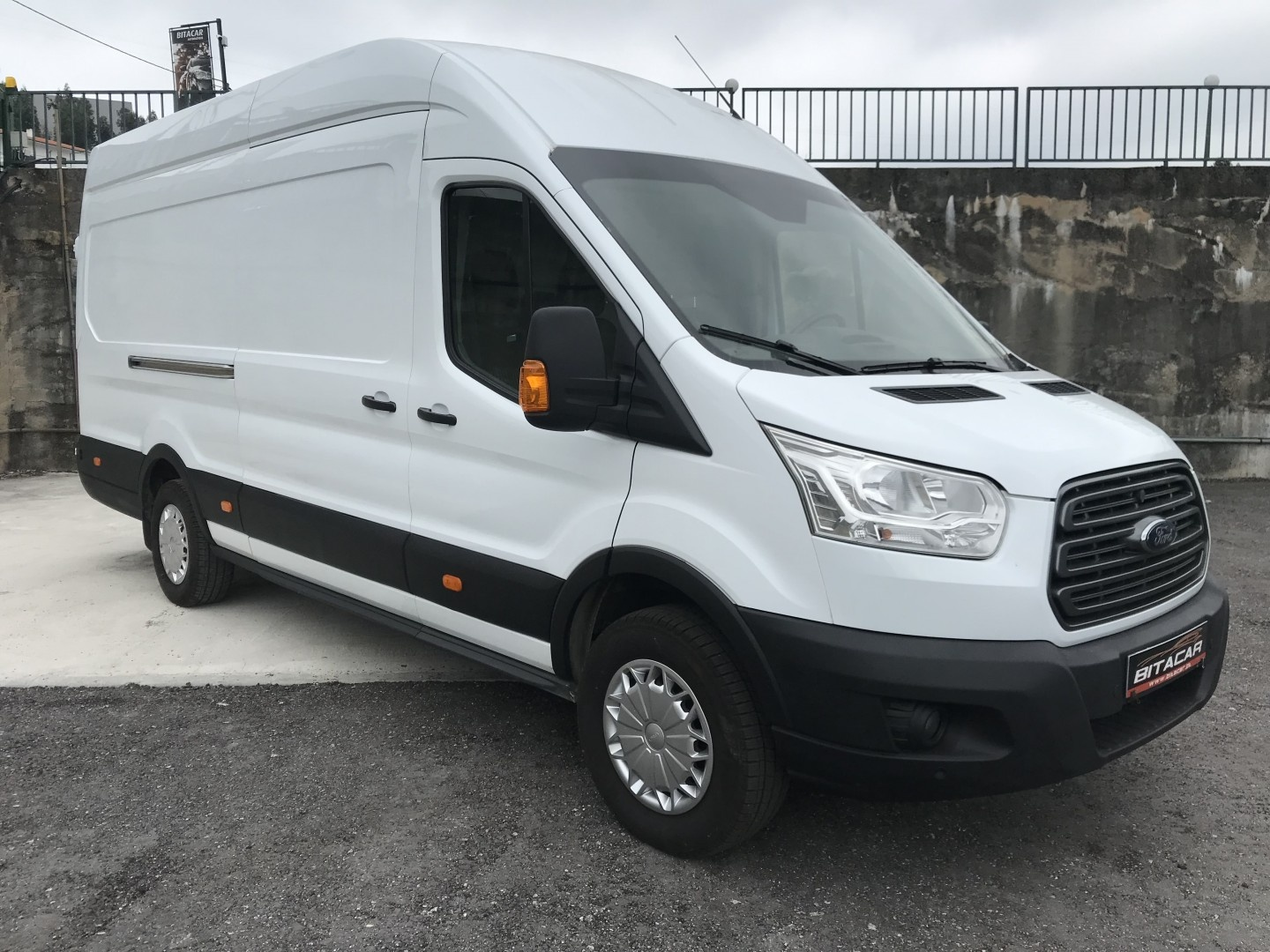 Ford Transit P350 L4H3 2.2 DCI  125 TREND