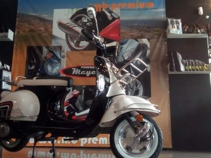 MCYCLES BEE 2 125 125 10CV