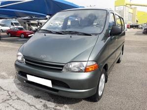 Toyota HiAce 6 Lugares