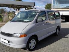 Toyota HiAce 9 lugares