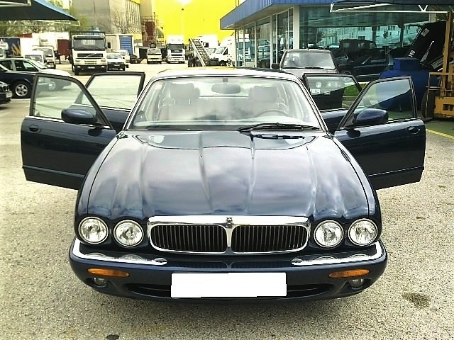 Jaguar XJ8 4.0 EXECUTIVE V8