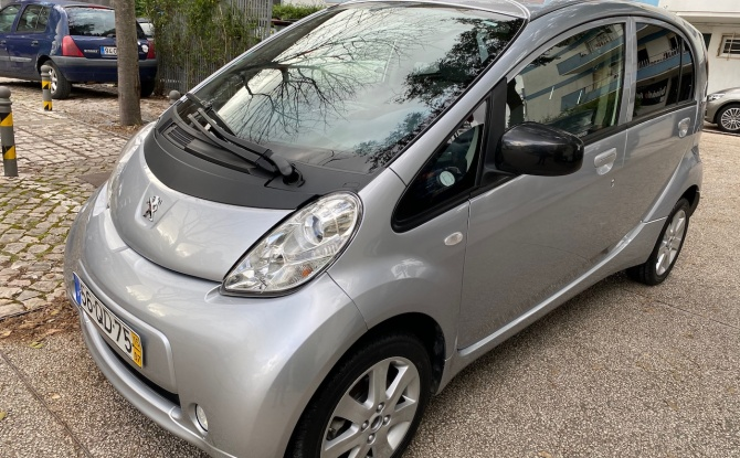 Peugeot iOn Full electric 0