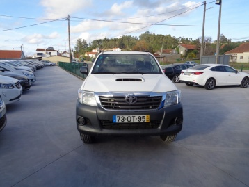 Toyota Hilux 2.5 D4D IVA DEDUTIVEL