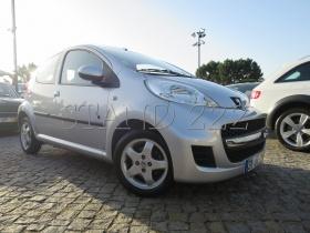 Peugeot 107 1.0 BLACK&SILVER E5