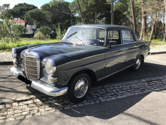 Mercedes-Benz 200 D Limousine