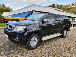 Toyota Hilux 2.5 D-4D 4WD CD Tracker PM