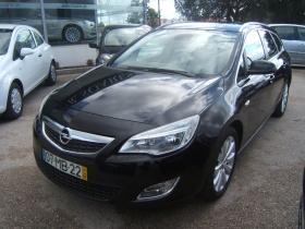 Opel Astra Sports Tourer 1.3 CDTi Cosmo (95cv) (5p)