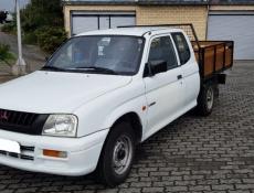 Mitsubishi L200 2.5 TD Cabine Extra 4 lugares