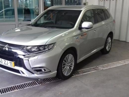 Mitsubishi Outlander 4WD PHEV Instyle