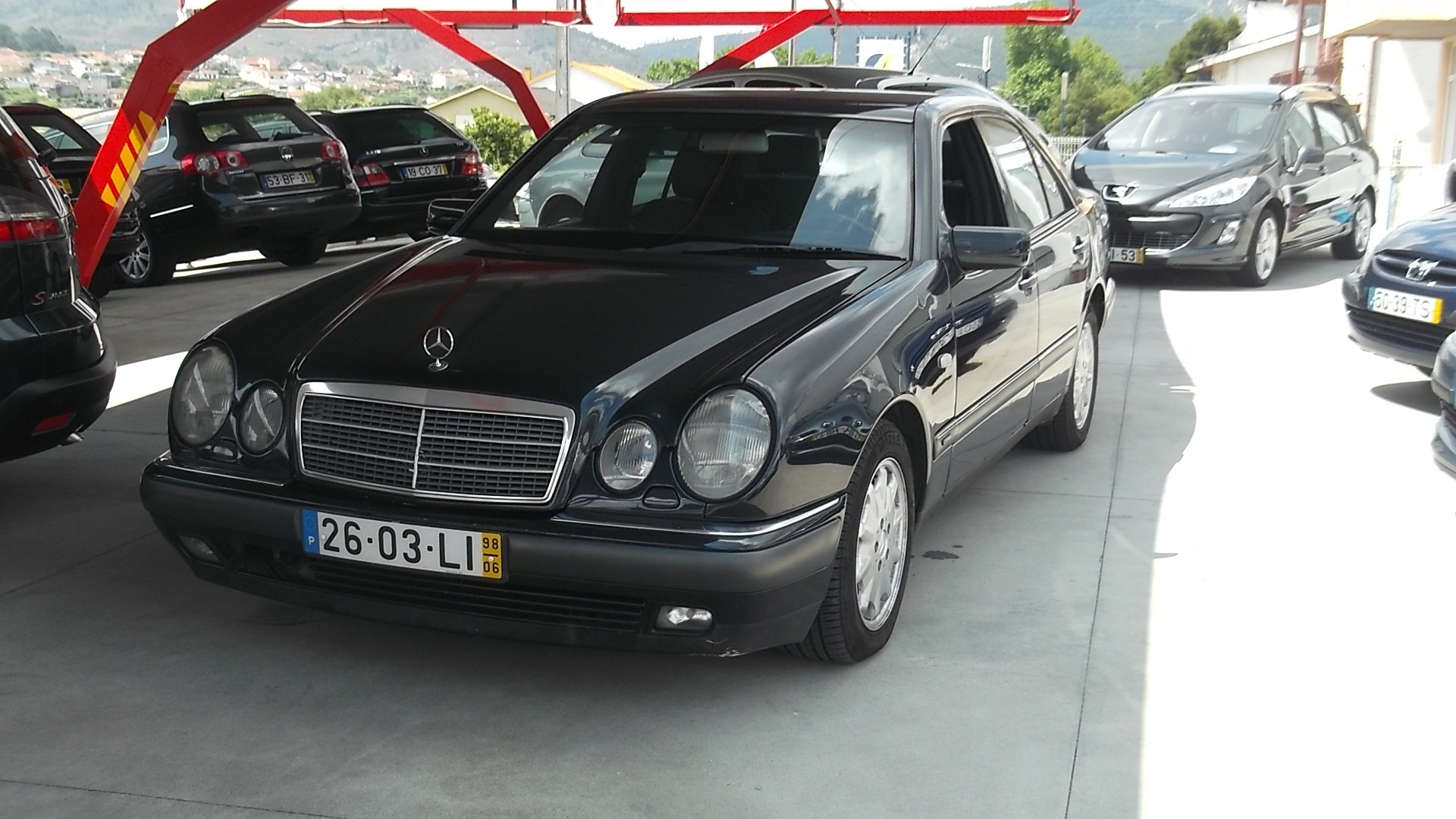 Mercedes-Benz E 300 TURBO DIESEL