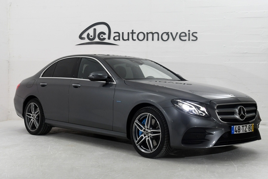 Mercedes-Benz E 350 Plug In Hybrid AMG C/ Tecto de abrir panorâmico