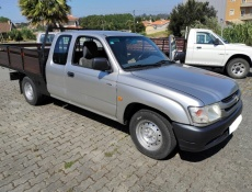 Toyota Hilux 4x2 Cab. Extra 4 lugares