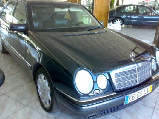 Mercedes-Benz E 220, 1998