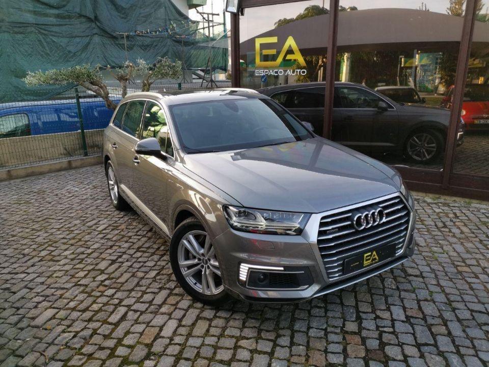 Audi Q7 3.0 TDi e-tron quattro Tip 374cv plug in