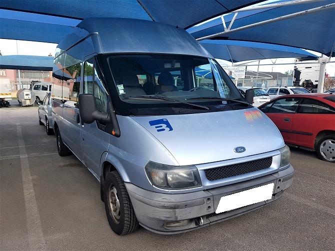 Ford Transit Longa 9 Lugares