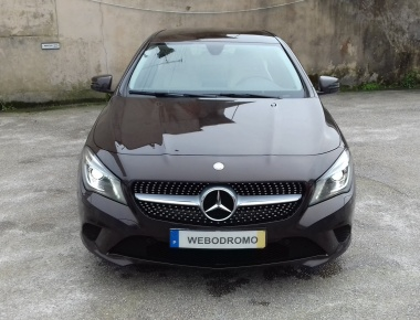 Mercedes-Benz CLA 200 Berlina