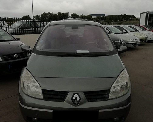 Renault 10, 2004