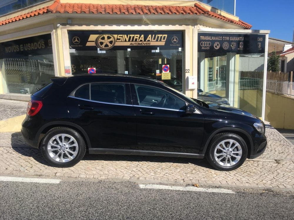 Mercedes-benz Gla 200 D 4MATIC Aut ( 136cv )