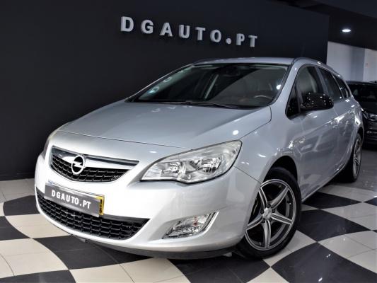 Opel Astra Sports Tourer, 2011