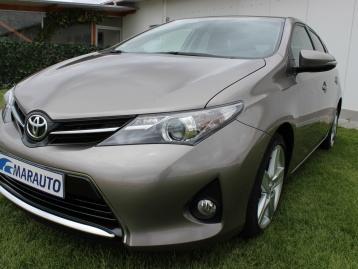 Toyota Auris D4D Confort + Pack Sport