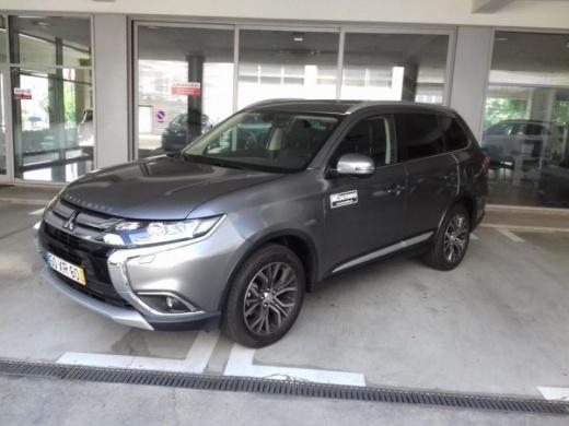 Mitsubishi Outlander 2.2 DI-D Instyle