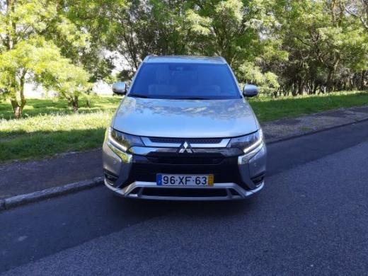 Mitsubishi Outlander PHEV INSTYLE