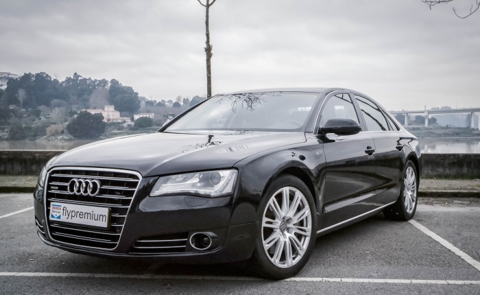 Audi A8, 2010