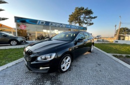 Volvo V60 2.4 D6 Momentum AWD Phev