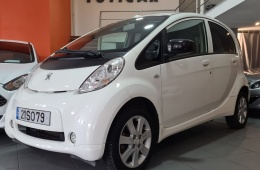 Peugeot iOn c/ carga rápida