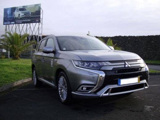 Mitsubishi Outlander PHEV 4WD Instyle