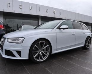 Audi RS4 4.2 V8 FSI