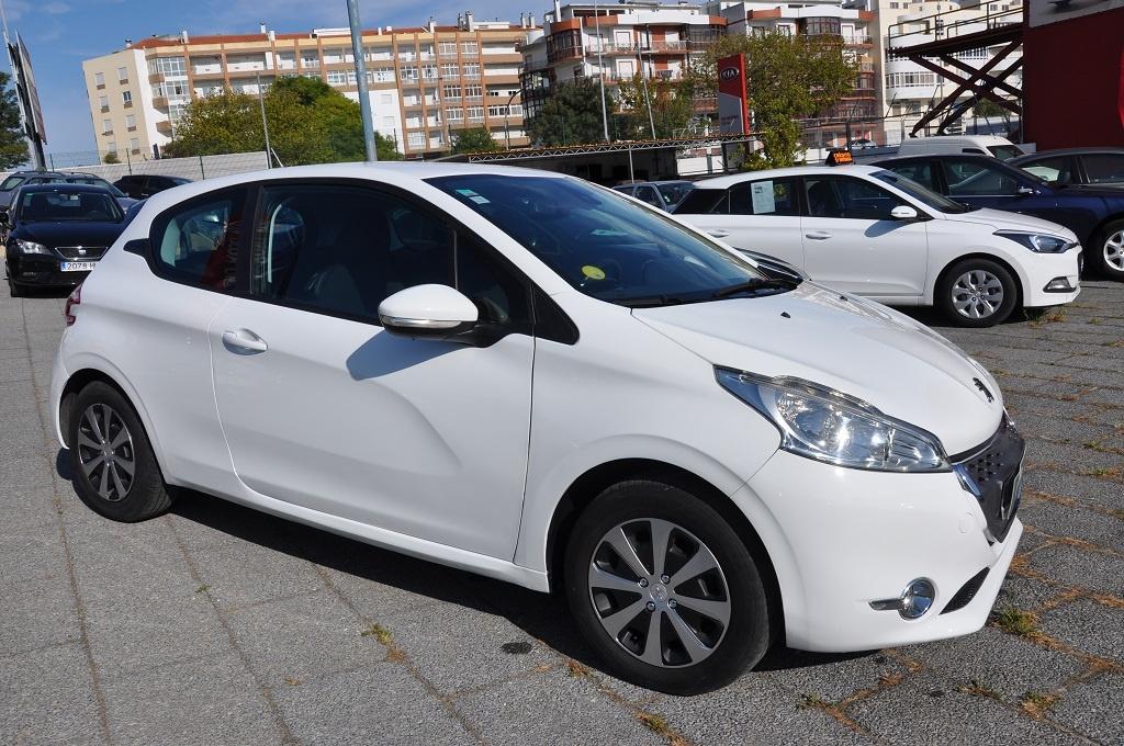 Peugeot 208 1.4 Hdi Cx Autom