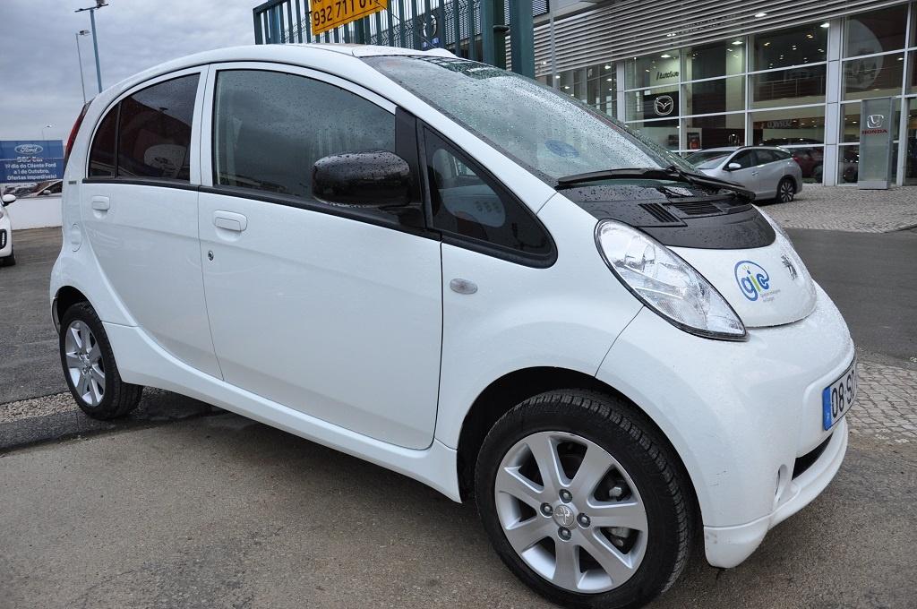 Peugeot iOn Eletrico