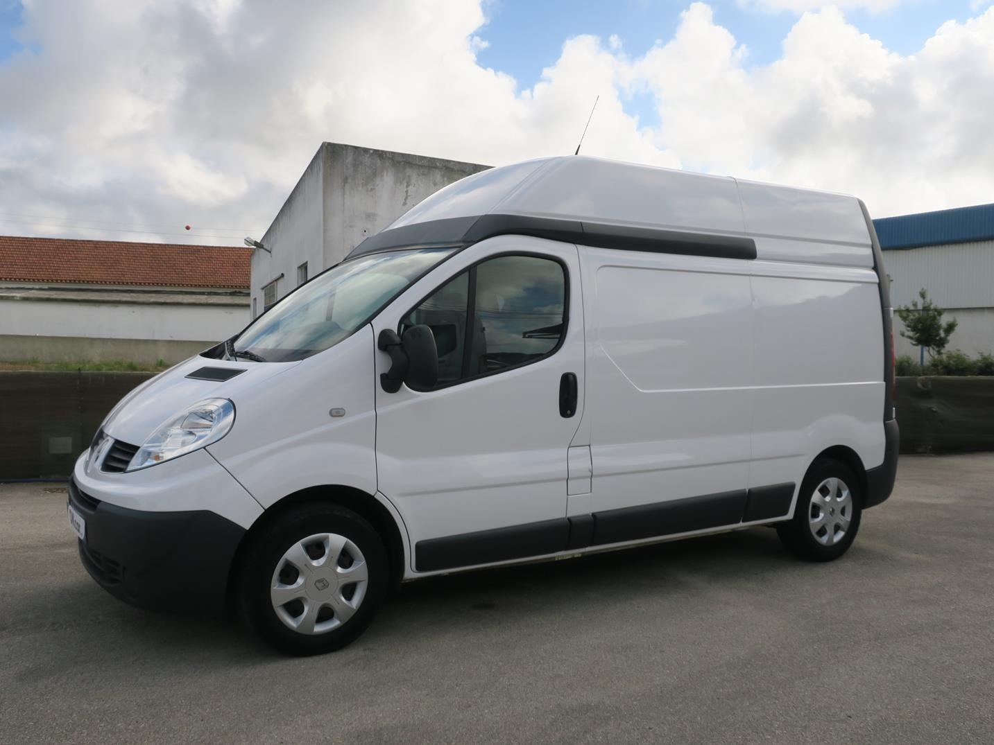 Renault Trafic 2.0 dCi L2H2