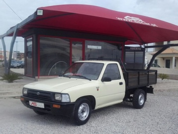 Toyota Hilux 2.4 d 4x2