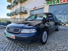 Audi A4 1.6 Attraction
