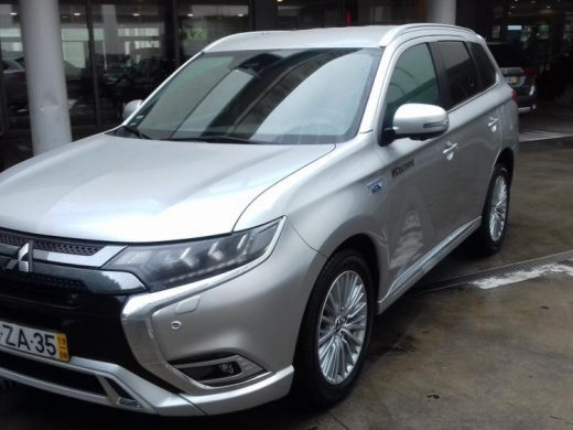 Mitsubishi Outlander 4WD PHEV Instyle Plug in