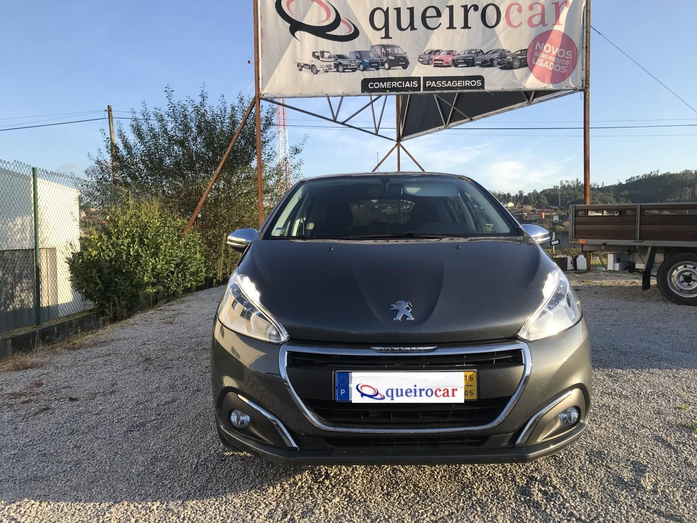 Peugeot 208 1.2 Style Pure Tech
