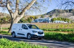 Opel Combo Enjoy 2L 30Kms Garantia de Fábrica até 07/2021
