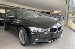 BMW 320 320D Touring auto