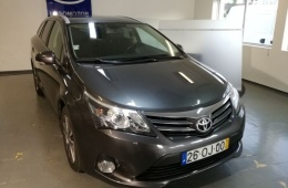 Toyota Avensis touring sports 2.0 D-4D Luxury