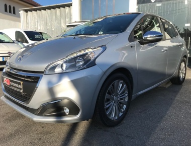 Peugeot 208 1.6 BLUe-HDI Style