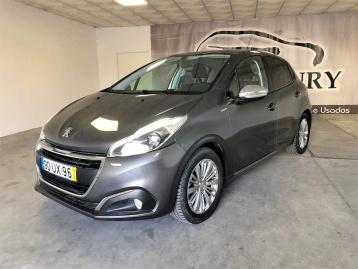 Peugeot 208 1.2i Signature