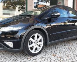 Honda Civic 1.8 Sport i-Shift