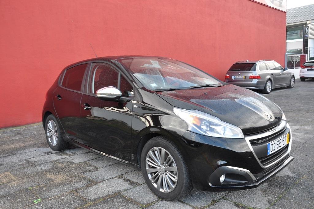 Peugeot 208 1.2 Vti Style