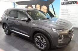 Hyundai Santa fe 4X2-7 LUG 2.2 8A/T MY19 PREMIUM