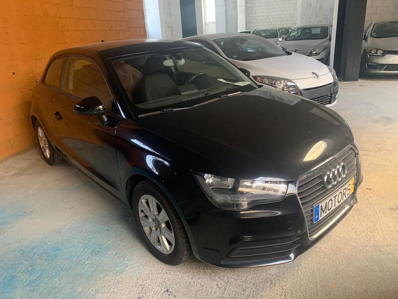 Audi A1 1.6 tdi attraction    2011