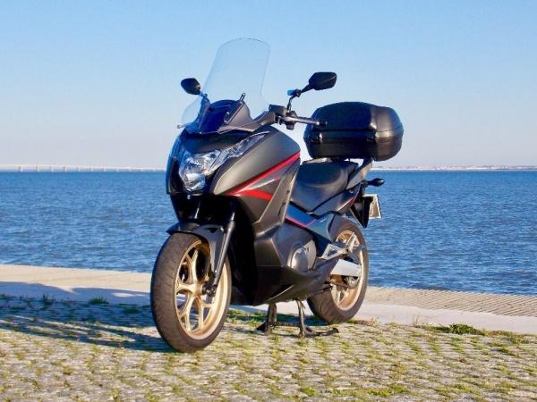 Honda Integra S 750