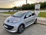 Peugeot 107 1.0 urban com A/C